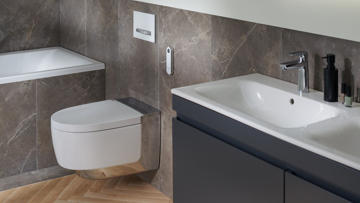 Geberit AquaClean Mera Comfort in bathroom