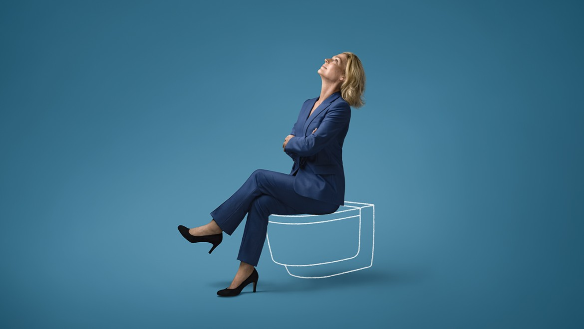 Hillary sitting on shower toilet Geberit AquaClean Mera